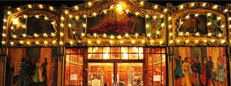 Café chantant in het spiegelpaleis