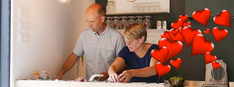 Gerlinde en Peter koken in een Italiaanse sfeer